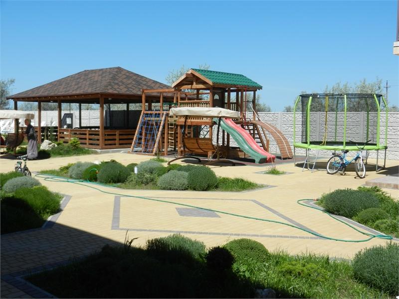 Условия для досуга детей и взрослых в Тиритаке